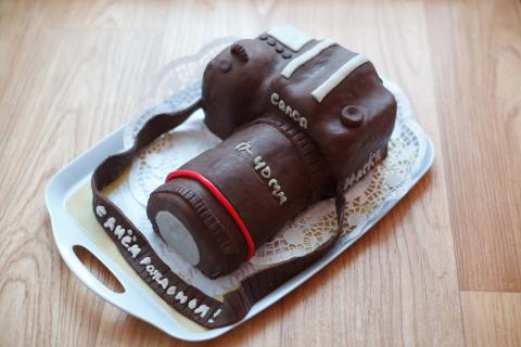 торт у виглядо фотоаппарата